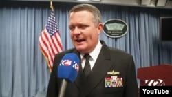 Zëdhënësi i Pentagonit, Jeff Davis.
