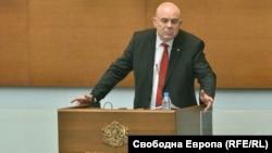 Главният прокурор Иван Гешев говори от парламентарната трибуна