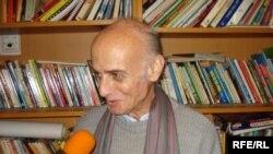 الدكتور المهندس عدنان يوسف