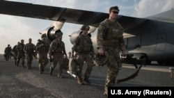 KUWAIT -- U.S. Army paratroopers from the 82nd Airborne Division arrive at Ali Al Salem Air Base, January 2, 2020