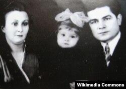 Василь Макух с женой и дочерью