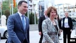 Премиерот Никола Груевски се сретна со шефицата за надворешна политика на ЕУ Кетрин Ештон во Скопје на 16 април 2013 година.