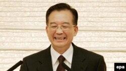 ون جياباو، نخست وزير چین از دولت ايران خواست که انعطاف بيشتری از خود در مورد برنامه هسته ايش نشان دهد.