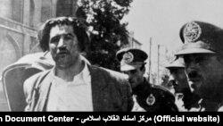 لحظه دستگیری حسین امامی بعد از ترور وزیر دربار