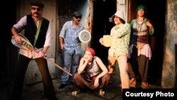 Турскиот бенд Баба Зула.