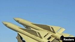 Ирандын абадан коргонуу максатында жасалган ракеталарынын бир үлгүсү.