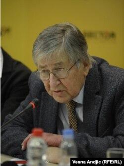 Vojin Dimitrijević na prezentaciji istraživanja, 28. februar 2012.