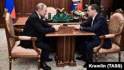 Мулоқоти Путин ва Медведев дар рӯзи 15-уми январ.