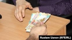 Коррупцию называют одним из основных препятствий для бизнеса в Казахстане.