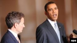 АКШ президенти Барак Обама автомашина чыгаруу тармагына жардам берүү планын жарыялап жатат, Вашингтон, 30-март 2009