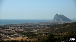 Гибралтарский пролив, через который проплывает танкер Grace 1 (слева), 4 июля 2019 года.