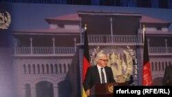 Министр иностранных дел Германии Франк-Вальтер Штайнмайер во время визита в Кабул, 9 февраля 2014