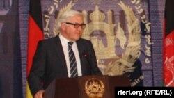 Германия сыртқы істер министрі Франк Вальтер Штайнмайер Кабулге сапары кезінде. 9 ақпан 2014 жыл.