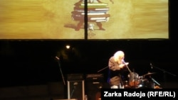 Raša Popov na Krokodilu recituje pesme Jovana Jovanovića Zmaja