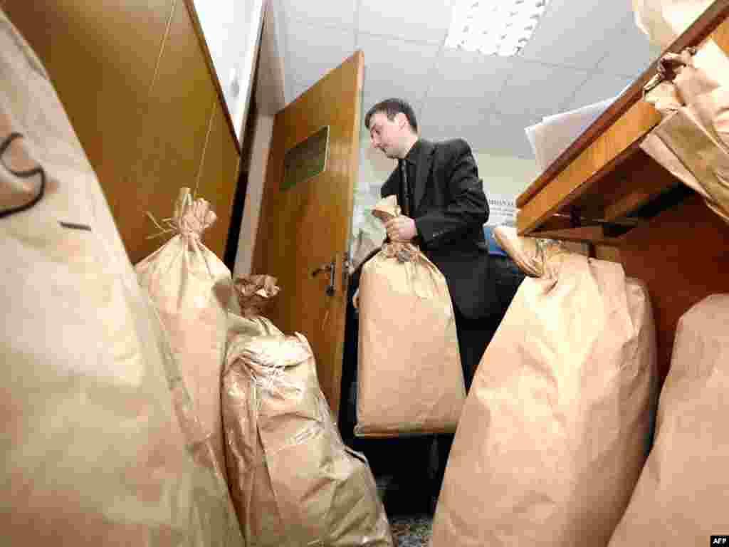 В Молдавии пересчитывают голоса, поданные на выборах 5 апреля