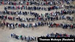 Čekanje u redu na glasanje u Najrobiju
