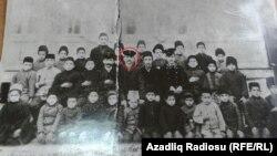 Süleyman Sani müəllim həmkarlarının əhatəsində - 1908