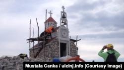 Nelegalno podignuta crkva na planini Rumija koju nadležni nisu uspjeli da uklone. Fotografija od 23. oktobra 2018.