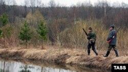 Охотники крадутся к цели. (Иллюстративное фото).