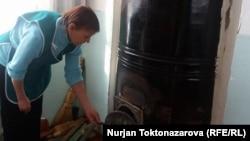Дом малюток отапливают углем