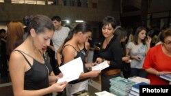 Yerevan Dövlət Universitetində kitab festivalı