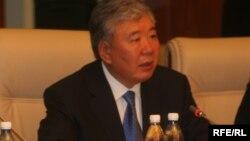 Данияр Үсөнов 2007-2008-жылдары Бишкек шаарынын мэри болуп иштеген.