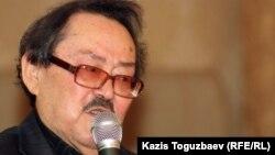 Софы Сматаев, жазушы, Janaozen.net порталының ашылу рәсімінде. Алматы, 13 наурыз 2012 жыл