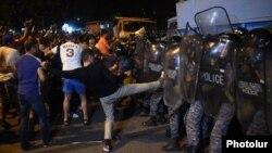 Հուլիսի 20-ի բախումները Երևանում