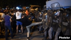 Armenia - Opposition protesters attack riot police in Yerevan, 20Jul2016.