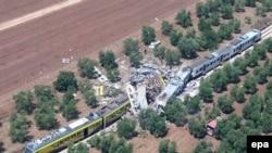 Место столкновения пассажирских поездов в районе Бари, Италия, 12 июля 2016 года.