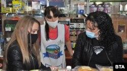 Здравните власти обявиха засилени проверки за спазването на задължителното носене на маски в закрити пространства