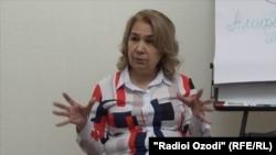 Марям Давлатова, рӯзноманигор ва фаъоли ҷамъиятӣ.