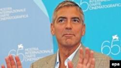 Američki glumac George Clooney nakon press konferencije o filmu 'Burn After Reading' , koji se nalazi u takmičarskom programu ovogodišnjeg 65.-tog Međunarodnog filmskog festivala u Veneciji.