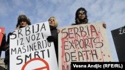 """Organizacija """"Žene u crnom"""" protiv izvoza oružja u pojedine zemlje Bliskog istoka i severne Afrike, 28. februar 2011."""