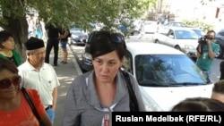 Активистка инициативной группы «учредительного съезда бездомных» Дильнар Инсенова. Алматы, 9 сентября 2013 года.