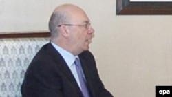 الیستر برت، مدیر کل وزارت خارجه بریتانیا