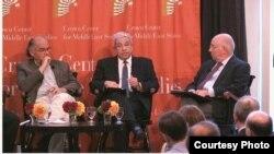 من اليسار، مكية، سيد علي، فيلدمان رئيس المؤتمر