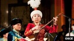 Исполнители казахской народной музыки. Иллюстративное фото.