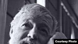 Эрнест Хемингуэй. [Фото — <a href='http://peoples.ru' title='Люди и их биографии, истории, факты, интервью'>Истории людей</A>]