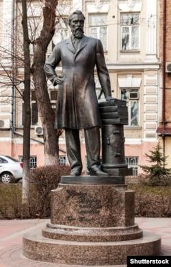 Пам'ятик Борису Грінченку в Києві