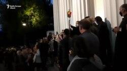 """Focul haric a fost adus la Catedrala Mitropolitană """"Naşterea Domnului"""""""