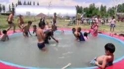 Мигранттар Сузакка сейил бак курду