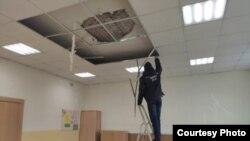 Обрушение потолка в школе Архангельска. Фото управления СК по региону