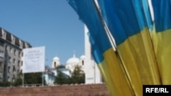 Сейчас возможны два варианта - создание «оранжевой коалиции» или создание коалиции смешанной, «Наша Украина» и «Партии регионов»