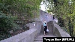 «Главная» лестница Красной горки