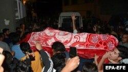 پولیس امروز گفت که بابر قادری شام دیروز در تیراندای دو مرد مسلح ناشناس کشته شد.