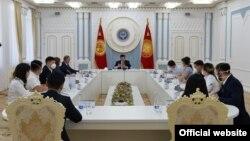 Встреча волонтеров и активистов с президентом Сооронбаем Жээнбековым. 21 июля 2020 года.