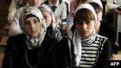 Чечен кызлары: тыштан ялтырый, эчтән калтырый