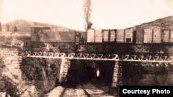 Првата железничка пруга во Македонија, од Солун до Скопје, е изградена во 1873 година
