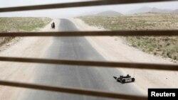 Дорога в провинции Забуль в Афганистане.